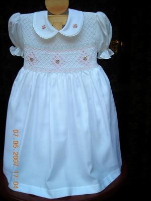 Vestidos para niñas en punto smock y nido de abeja