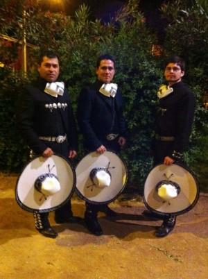 mariachis en santiago reservas al fono 97465851